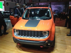 2015-Jeep-Renegade-Trailhawk-01-lead