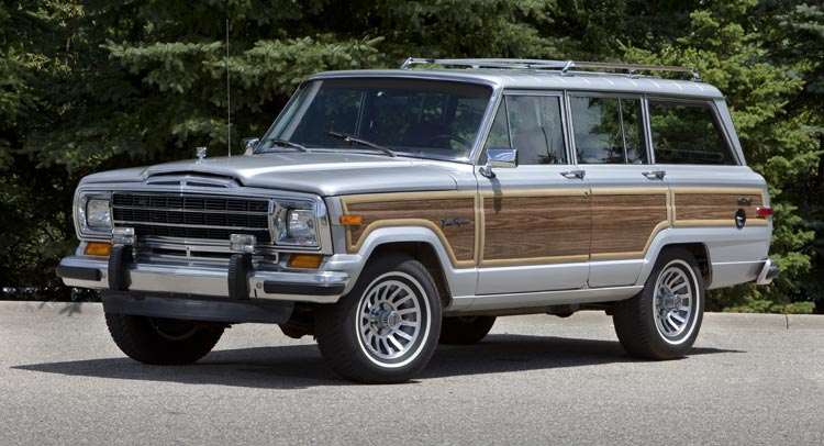1989 Grand Wagoneer // Photo: Car Scoops