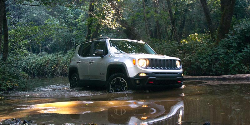 Jeep Renegade Off Road >> How Does The Jeep Renegade Compare To A Jeep Wrangler